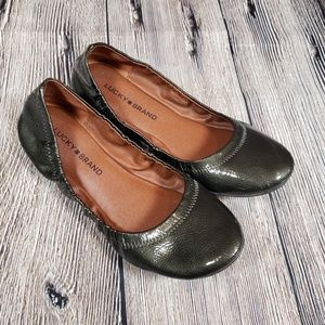 Lucky Brand 7.5 Emmie flats olive army green